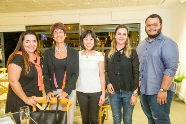 (Ana Brum, Ana Claudia Cunha Barbosa, Claudia Ishikawa, Jaqueline Tiepolo e Luan Galani) Fotos: Hugo Harada/Gazeta do Povo