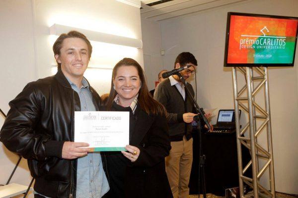 O vencedor do 2º lugar Renan Scotti e Ana Brum